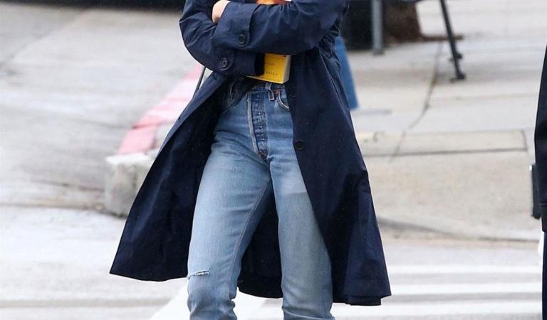 Celebrity Jeans – Elizabeth Olsen