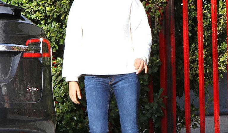 Celebrity Jeans – Mila Kunis