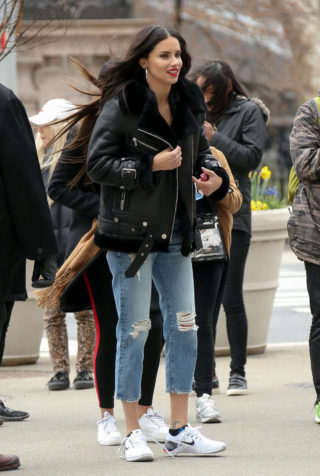 Adriana Lima – Maybelline Commercial Set in New York City