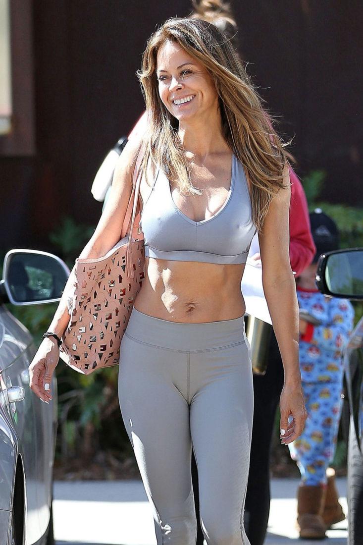 Brooke Burke – Leaving Yoga Class in Los Angeles