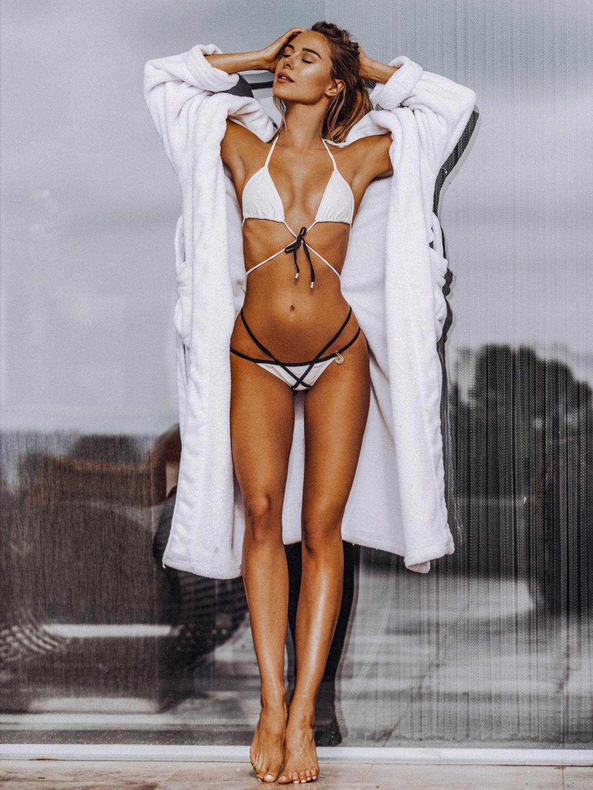 Celebrity Kimberley Garner nude (81 photo), Tits, Fappening, Selfie, legs 2017