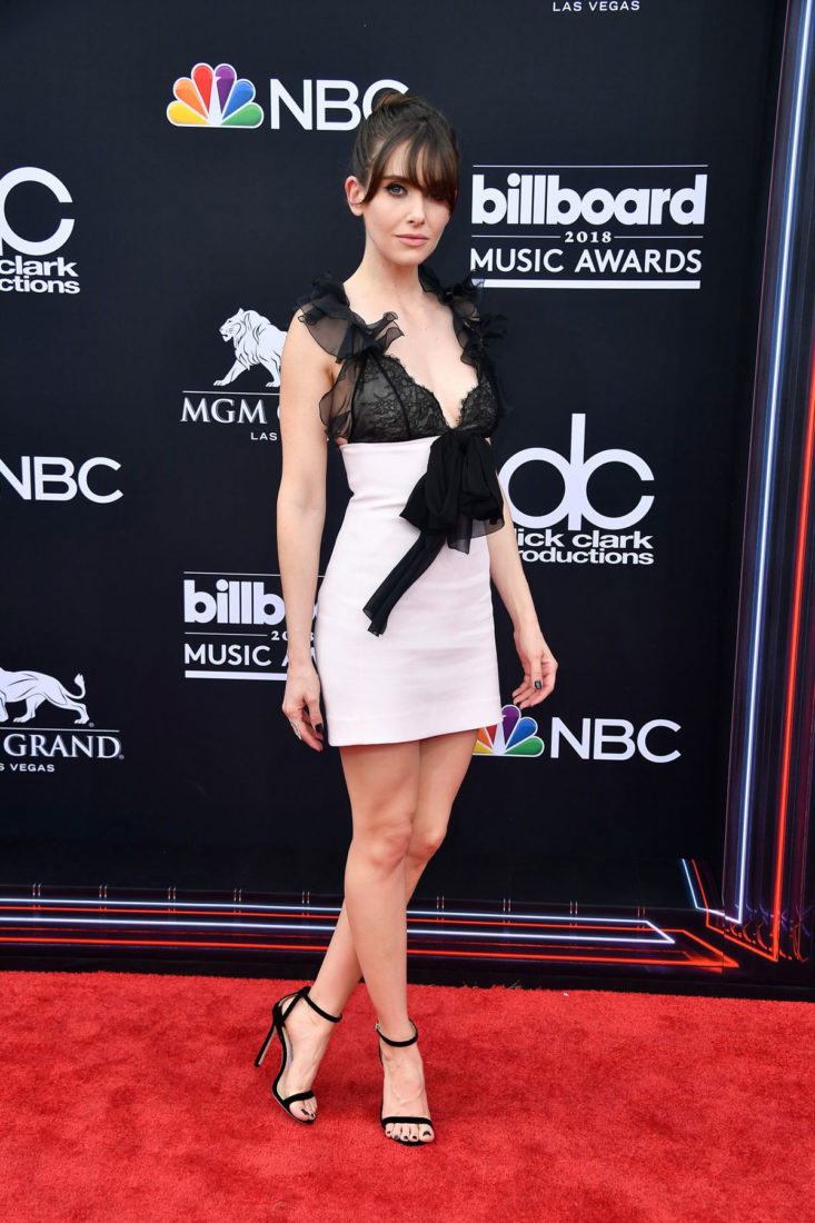 Alison Brie at 2018 Billboard Music Awards