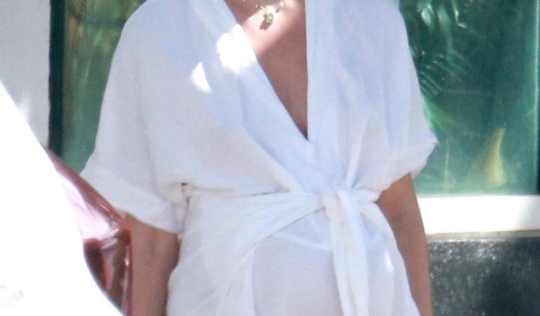 Pregnant Celebrities – Candice SwanepoelL Out in Espirito Santo