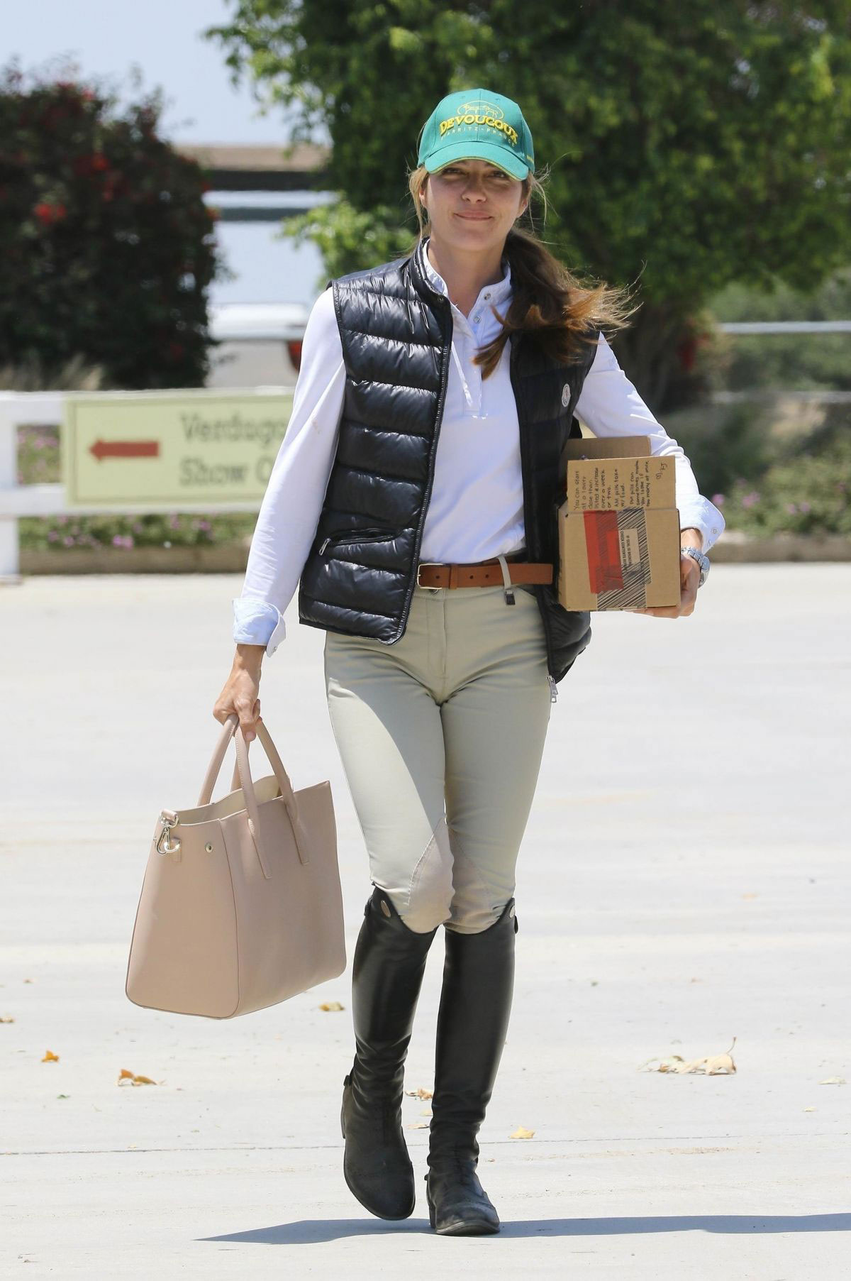 Celebrity Sports Selma Blair Watching Horseback Riding