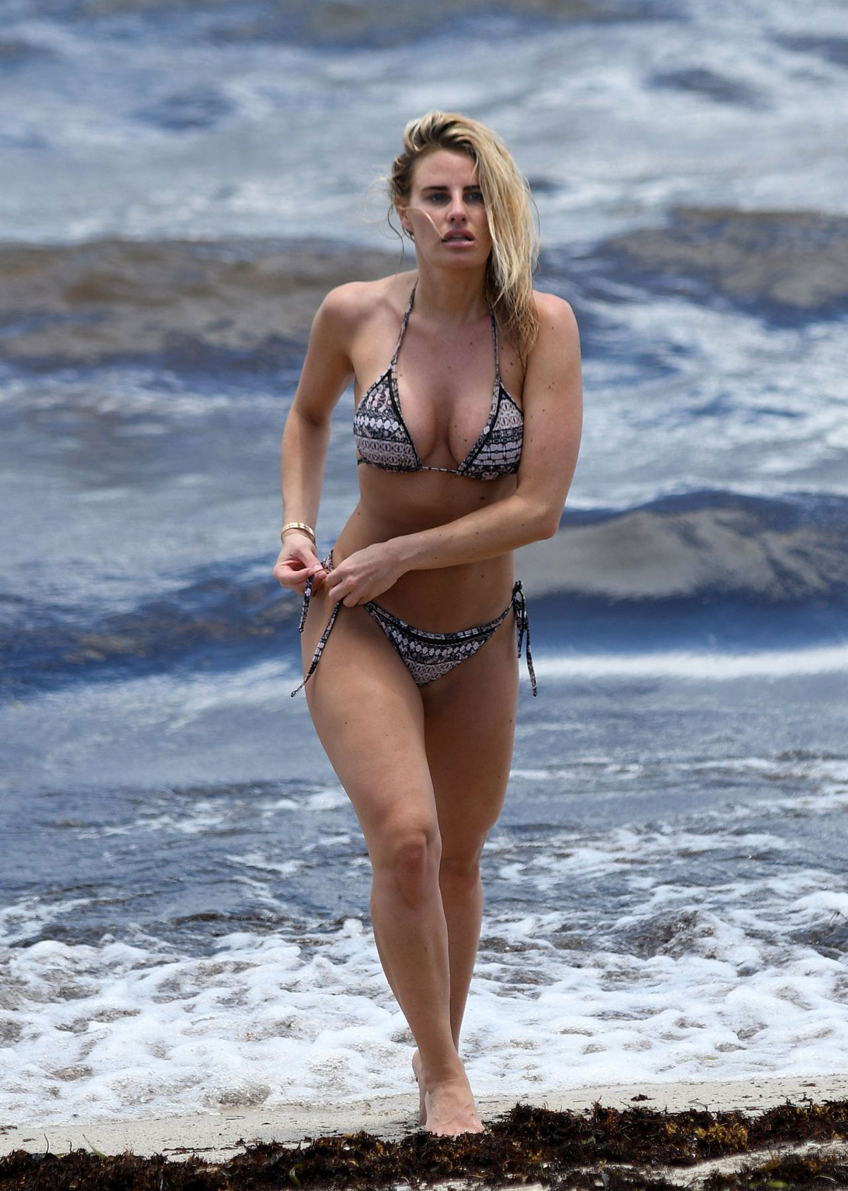 Celebrity Danielle Armstrong nudes (24 photo), Sexy, Paparazzi, Feet, braless 2020