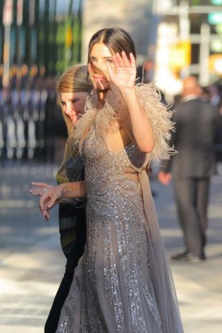 Sandra Bullock Arrives at Ocean's 8 Premiere in New York