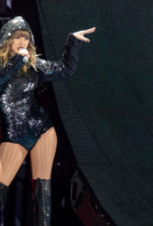 Taylor Swift Performs at Reputation Tour in Chicago