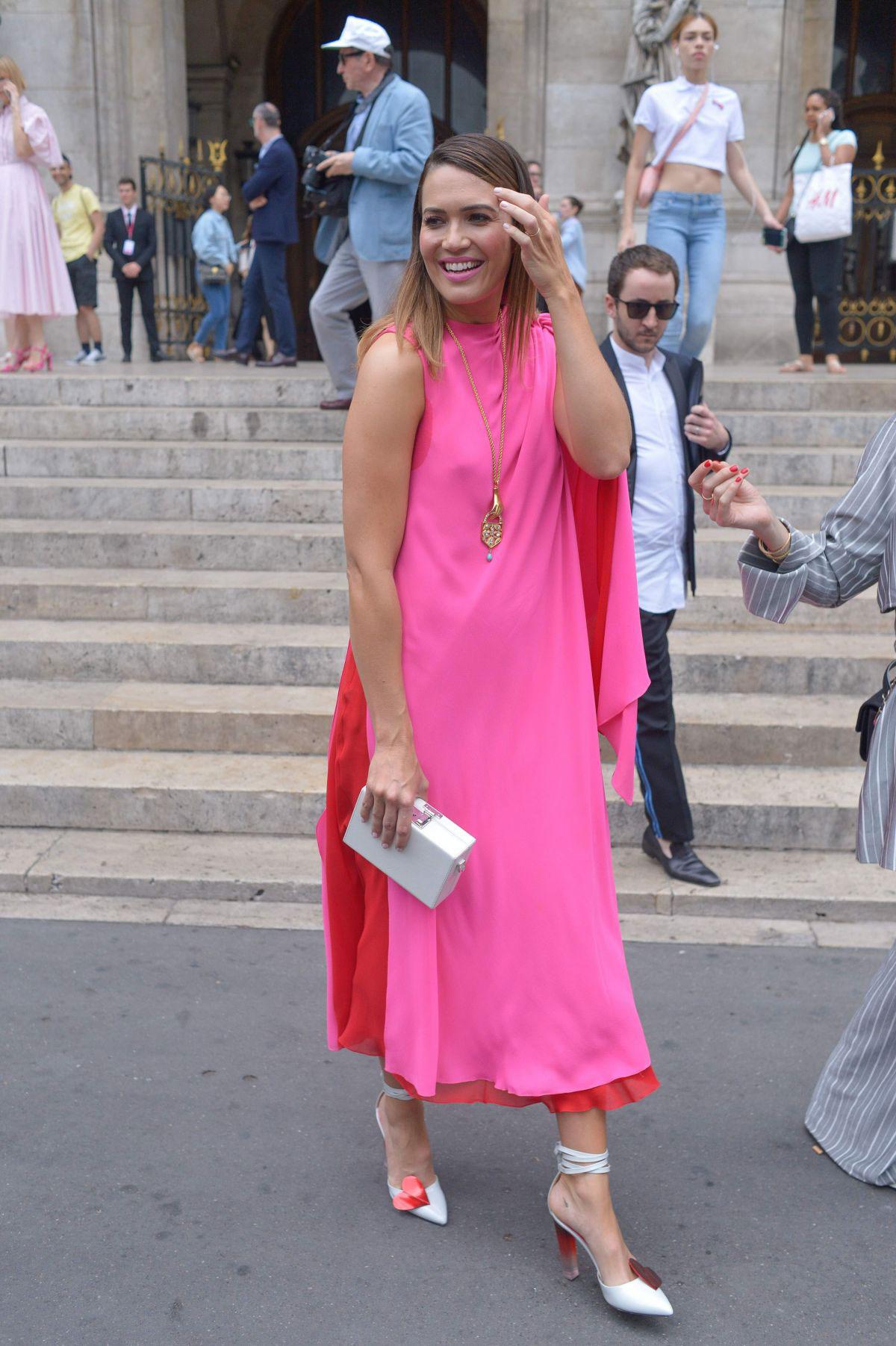 Mandy Moore At Schiaparelli Haute Couture Show At Paris Fashion Week Justfabzz