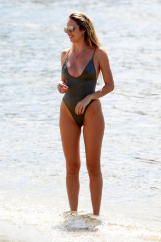 Candice Swanepoel in Swimsuit on the Beach in Espirito SantoCandice Swanepoel in Swimsuit on the Beach in Espirito Santo