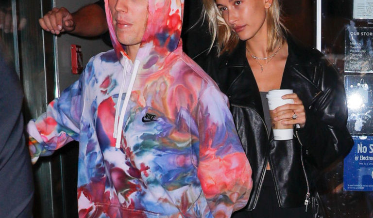 Street Style – Hailey Baldwin and Justin Bieber leaving a Starbucks in New York