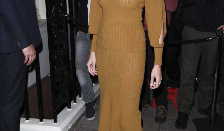 Celebrity Fashion – Lara Stone at the LFW: Victoria Beckham x Vogue Party at Mark's Club in London