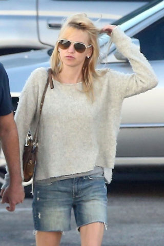 Anna Faris in Denim Cut-off Out in Los Angeles