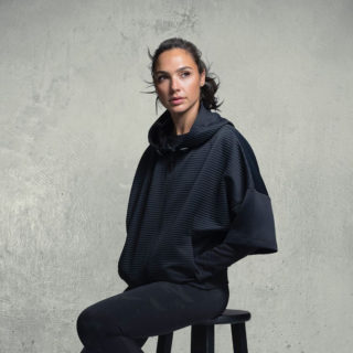 """Gal Gadot Photoshoot for Reebok's """"Thermowarm"""" Collection 2018"""