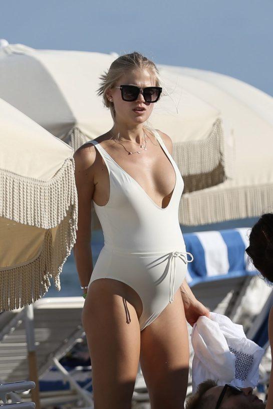 Pregnant Vita Sidorkina in Swimsuit on Miami Beach