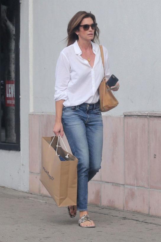 Cindy Crawford Shopping at American Rag Cie in LA