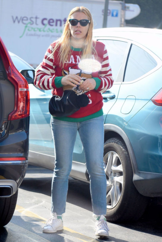 Busy Philipps Christmas shopping in Los Angeles
