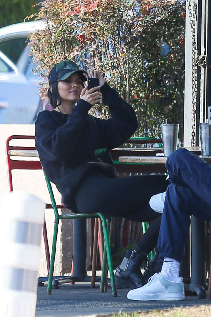 Kendall Jenner Out For Lunch In Los Angeles