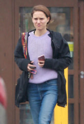 Natalie Portman Out in Los Feliz