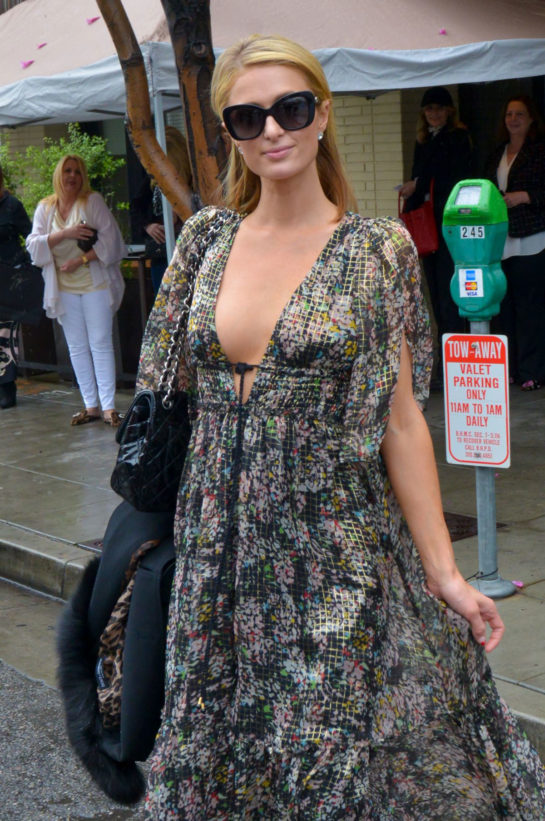 Paris Hilton - Palm Restaurant in Beverly Hills