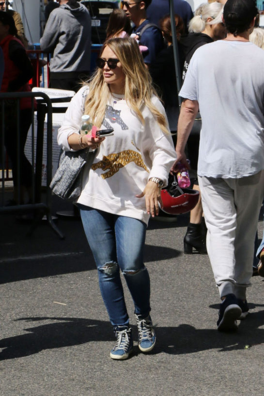 Hilary Duff Out at Farmers Market in Los Angeles