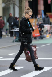 Josephine Skriver – Shopping in Soho in New York City