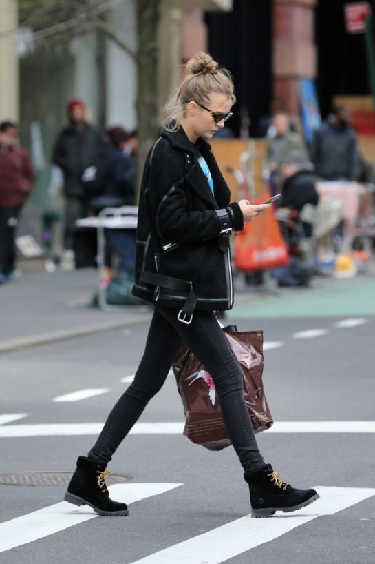 Josephine Skriver – Shopping in Soho in New York City