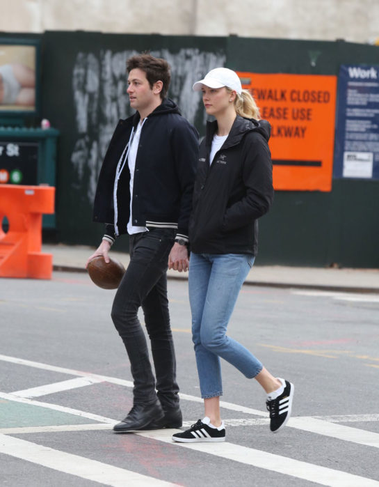 Karlie Kloss With Her Boyfriend – East Village, New York City