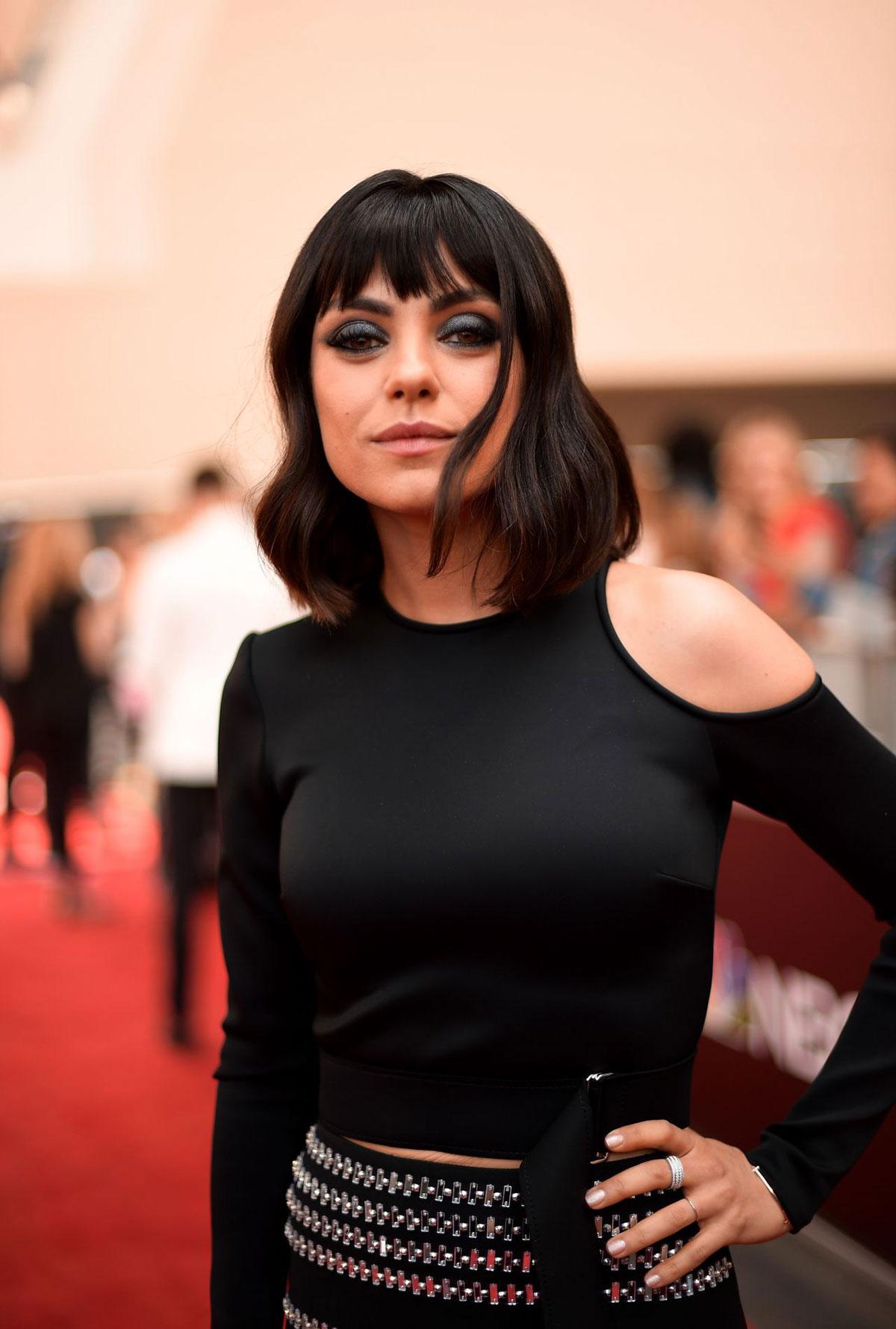Red Carpet Mila Kunis At 2018 Billboard Music Awards