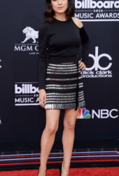 Mila Kunis at 2018 Billboard Music Awards