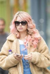Lottie Moss Leaves a Hairdressers in London