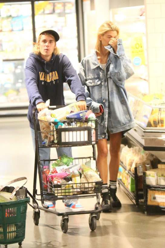 Hailey Baldwin and Justin Bieber Shopping at Whole Foods in New York