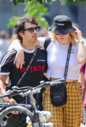 Sophie Turner and Joe Jonas on Lafayette Street in New York