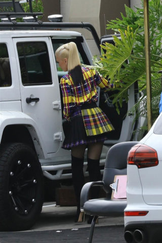 Gwen Stefani Leaves Recording Studio in Hollywood