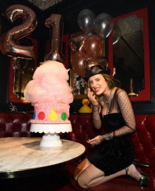 Bella Thorne Celebrate 21st Birthday in Las VegasBella Thorne Celebrate 21st Birthday in Las Vegas