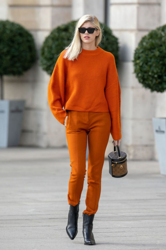 Devon Windsor Out and About in Paris