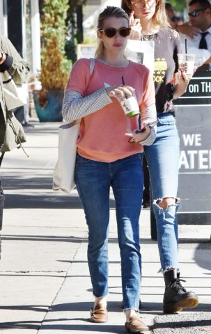 Emma Roberts Out for Coffee in Los AngelesEmma Roberts Out for Coffee in Los Angeles
