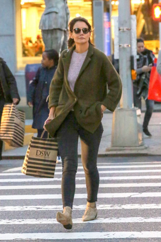 Katie Holmes Shopping at DSW in New York City