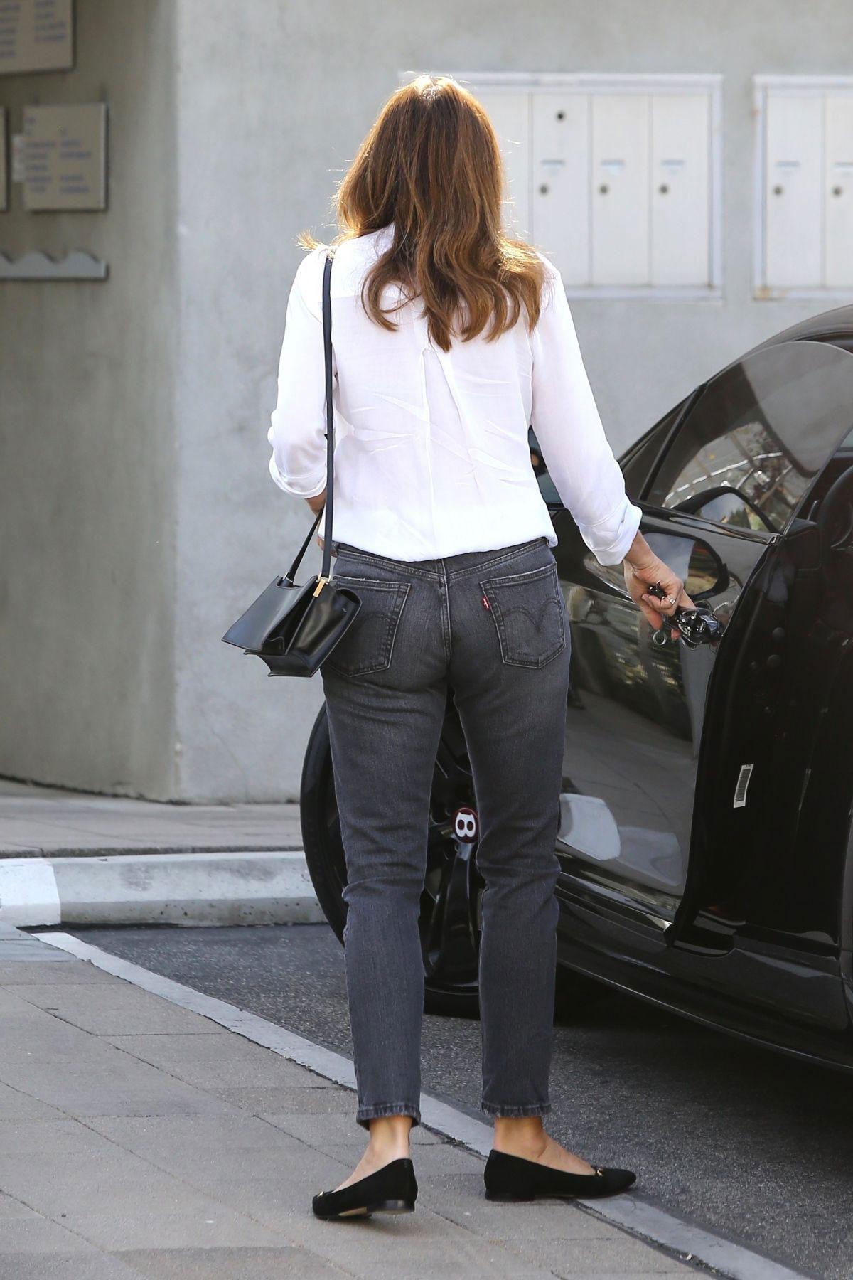 Street Style Cindy Crawford Leaving A Salon In Malibu