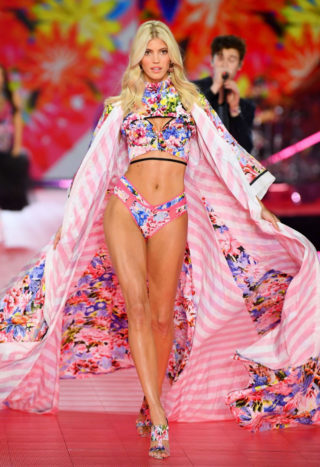 Devon Windsor at Victoria's Secret Fashion Show 2018