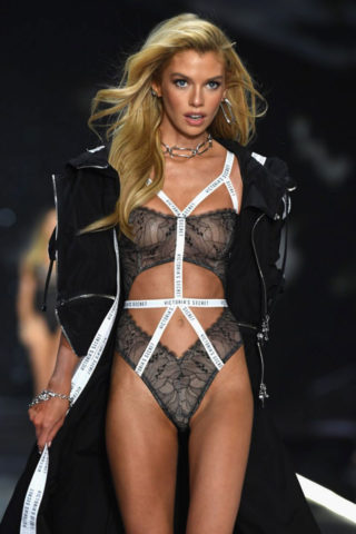 Stella Maxwell at Victoria's Secret Fashion Show 2018