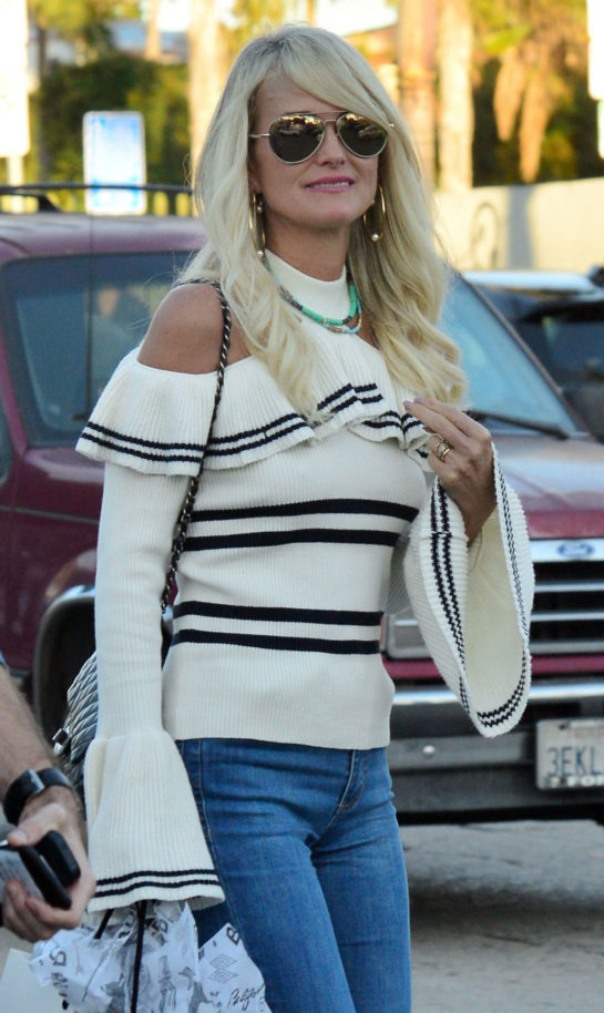 Laeticia Hallyday Out and About in Venice Beach