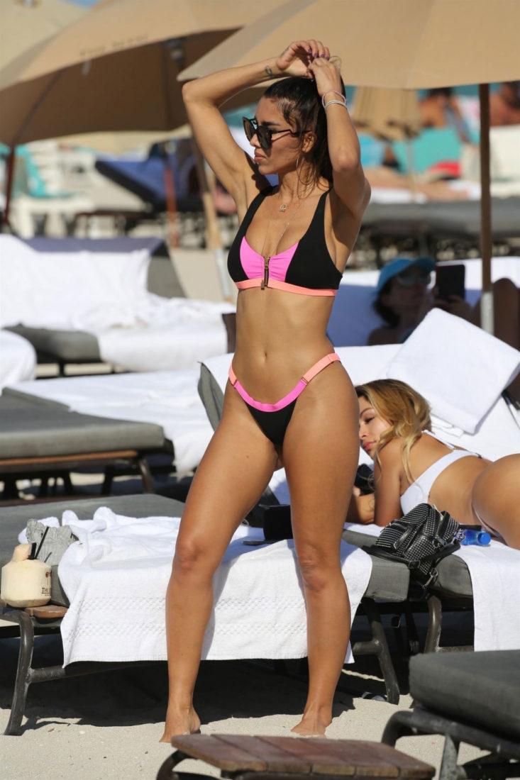Metisha Schaefer in a bikini at the beach in Miami BeachMetisha Schaefer in a bikini at the beach in Miami Beach