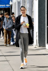 Gal Gadot in a Casual White T-shirt and Monochrome Leggings at Farmer's Market in Los Angeles