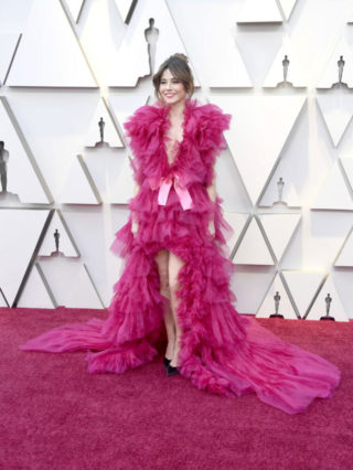 Red Carpet - Linda Cardellini at Oscars 2019 in Los AngelesRed Carpet - Linda Cardellini at Oscars 2019 in Los Angeles