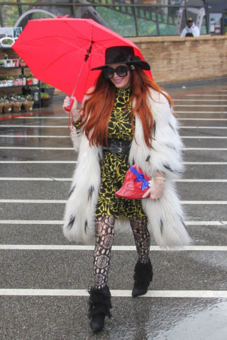 Phoebe Price Shops for Valentine's Day Gifts at Ralphs in Los Angeles