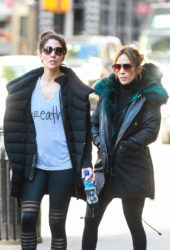 Jennifer Lopez and Her Sister Lynda Heading to a Gym in New York