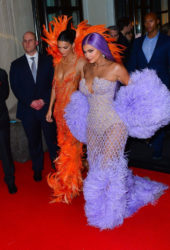 Kendall and Kylie Jenner Arrive in Bright Colors to Met Gala 2019 in New York