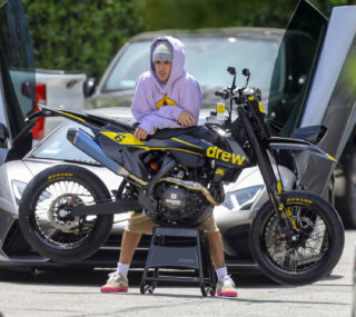 Hailey Baldwin and Justin Bieber Enjoy Justin's New Motocross in Beverly Hills