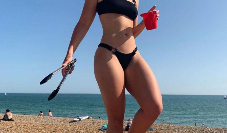 Celebrity Bikini – Ella Eyre in Bikini at Brighton Beach