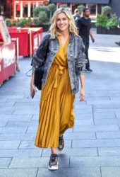 Ashley Roberts Leaving the Global Studios in London
